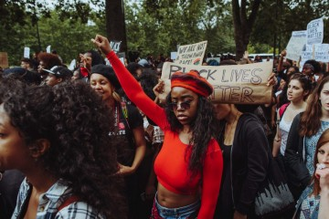 Protesters gathered in London to support Black Lives Matter and call for an end to police violence. Photo by Vincentchapters